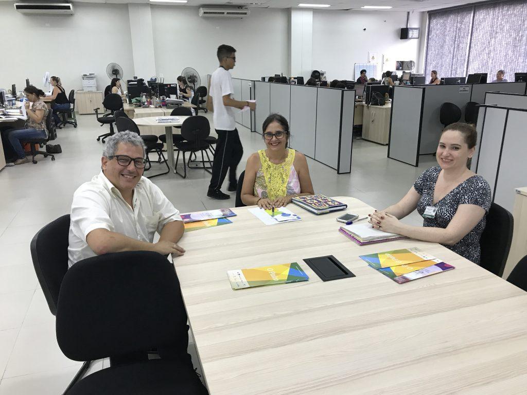 Kelli Cristina, Diretora de Projeto e Pesquisa em Bauru, e Ana Beatriz Marcelino, coordenadora de Artes, depositaram a confiança no trabalho educacional do O Palco. | Foto: Polo Cultural