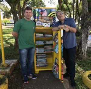 Secretário de Cultura, Marcos Rodakivisk, apresentou o espaço cultural que conta com espaço de leitura para as crianças e jovens. Lá, O Palco inicia seu trabalho em Ibitinga. | Foto: Polo Cultural.