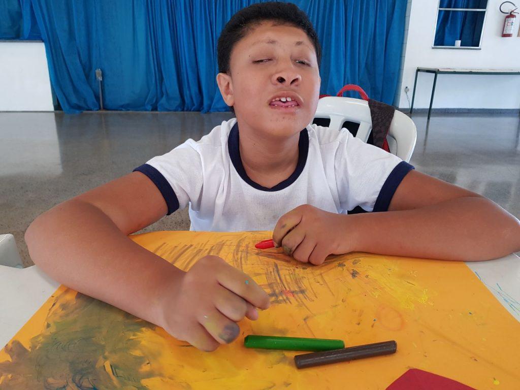 Kaique em uma das atividades do projero Acessibilidade. | Foto: Polo Cultural.