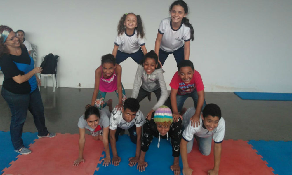 Equilíbrio e concentração são testados nas aulas sempre muito divertidas.